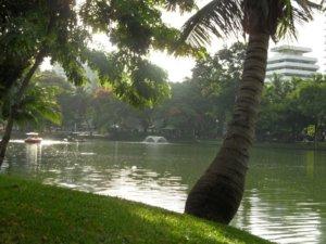 Lumpini park lake